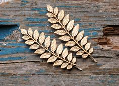 Hey, I found this really awesome Etsy listing at https://www.etsy.com/listing/203897678/leaf-branch-bobby-pins-gold-hair