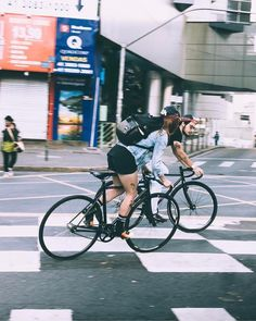 "1,292 次赞、 2 条评论 - Fixiegirl™ (@fixiegirls) 在 Instagram 发布:""Repost from @turn0ver ✨#urbancycling #cycling #urbanphotography #fixedgear #fixedgearbrasil…"""