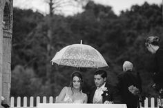 How to do a rainy wedding day! UK weddings can be unpredictable! Www.LeanLivingGirl.com