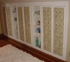 cabinets and niches between studs - tin paneled doors Cool Diy Projects, Home Projects, Home Crafts, Wall Storage, Wall Shelves, Over Toilet Storage, Bathroom Renos, Bathrooms, Home Helpers
