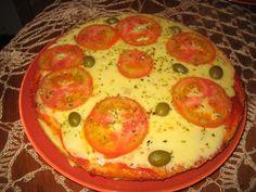 A Pizza de Microondas fica pronta rapidinho e é uma delícia. Escolha o seu molho e o seu recheio preferido e faça hoje mesmo. Com certeza, quem provar vai