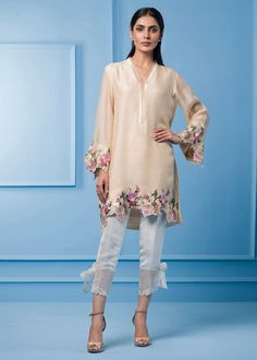 Pakistani Dresses Online, Pakistani Outfits, Eid Dresses, Stylish Dress Designs, Stylish Dresses, Walima Dress, Scarf Top, Embroidery Suits, Machine Embroidery