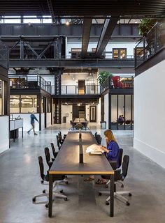 New Lab at the Brooklyn Navy Yard by Marvel Architects Warehouse Office, Warehouse Living, Warehouse Home, Warehouse Design, Cool Office Space, Office Workspace, Sustainable Architecture, Architecture Design, Factory Design
