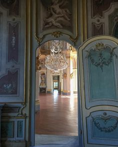 VENARIA #reggiadivenaria #palazzinadicacciadistupinigi #instagood #instadaily #instaart #venaria #architecture #instarchitecture #instacool #ig_italy #ig_italia #iphoneonly #iphonephotography (presso Reggia Stupinigi)