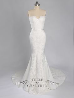 Gorgeous sweetheart neckline mermaid long lace wedding dress with train