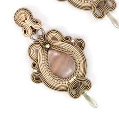 soutache Wire Jewelry, Boho Jewelry, Jewelry Crafts, Beaded Jewelry, Jewelery, Handmade Jewelry, Jewelry Design, Fashion Jewelry, Handmade Necklaces