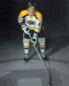 Bobby Orr - Early 70s Boston Bruins Hockey, Women's Hockey, Hockey World, Hockey Cards, Lacrosse, Bobby Orr, Baseball Tips, Boston Sports, National Hockey League