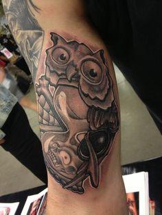 owl-hour-glass-tattoo-design ~ http://heledis.com/hourglass-tattoo-designs-is-an-unique-design-for-unique-person/