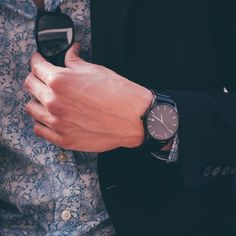 A man with style knows that the details can make or break an outfit. With some of the latest minimalist designs on the market, your search for the perfect watch ends here. Looking sharp starts at the wrist. Compliments guaranteed.
