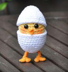 Check out Easter Crochet Patterns. From Crochet Chick Pattern to Crochet Easter basket pattern, see quick & easy Easter Crochet Pattern idea & DIY Tips here Easter Crochet Patterns, Crochet Birds, Crochet Diy, Crochet Amigurumi Free Patterns, Love Crochet, Crochet Animals, Vintage Crochet, Crochet Crafts, Crochet Dolls