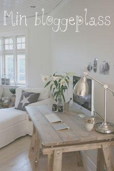 49) De make-over is af! Met een zithoek, eethoek, een fijn plekje voor de haard en een klein werkstationnetje heb je in een kleine woning toch alles in 1! #leenbakker woonkamer inspiratie