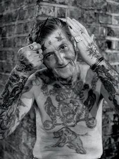 Top 15 des vieux avec des tatouages, les couleurs qui résistent à plusieurs lavages