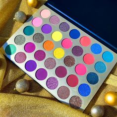 Let's play! 📢 create a perfect palette imaginably using various funny stickers for the Blank Style DIY Eyeshadow Palette... ✨💖