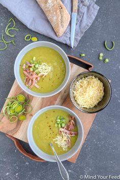 Preisoep met krokante spek en oude kaas Leek Recipes, Good Food, Yummy Food, Leek Soup, Soups And Stews, Tapas, Bacon, Food And Drink, Dinner