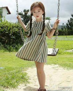 Not seifuku, just Cute! --Ohh, so Pretty! --- - -be a girl Little Girl Models, Cute Little Girls, Cute Baby Girl, Child Models, Young Models, Cute Kids, Cute Asian Babies, Korean Babies, Asian Kids