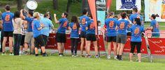 Todos esperando al CAMPEÓN en las recientes 24 H. Running Race de La Fresneda (Oviedo)