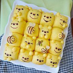「* 久しぶりの #ちぎりパン。 #プーさん♡ #ツムツム ver.も♪ ((口書き忘れた← 相変わらず顔が 安定しないよねー笑、 * 最近 手荒れがひどい。 今までそんなこと 1回もなかったのに アラサーだからなの?← #ぐすん * #デコパン #デコちぎりパン #キャラパン #キャラちぎりパン…」