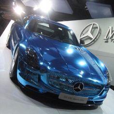 Blue Chrome SLS Mercedes Benz Mercedes Models, Mercedes Benz Cars, Luxury Car Hire, Luxury Cars, Roush Mustang, E90 Bmw, Daimler Ag, Best Classic Cars, Benz S