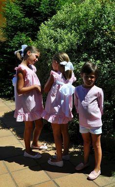 Bueno chicas, qué contar...que en Galicia el verano no llega, que tenemos medio armario sin estrenar y que si no fuera porque a rebajas no ... 4 Kids, Children, Playsuit Dress, Having A Baby, Tween, Cute Girls, Kids Fashion, Photos, Summer Dresses