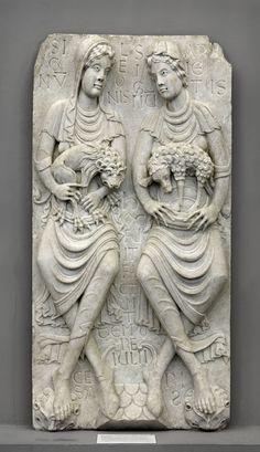 Lo signe del leon e lo signe del aret (Sant Sarnin de Tolosa, ca. Romanesque Sculpture, Romanesque Art, Saint Sernin, Roman Photo, Free Standing Sculpture, Art Roman, Sculptures, Lion Sculpture, Byzantine Art