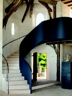 The architectural poetry of Richard Shapiro's Mediterranean villa (via @honestlywtf).