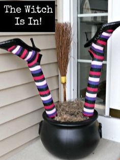 The noodles make the legs, of course. Find the how-to at Crazy Lou Creations.