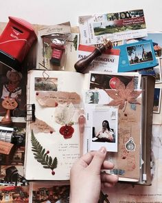 Beautiful travel journal & notebook, full of ideas for scrapbooks o: cant wait to try some of these! Bullet Journal Aesthetic, Bullet Journal Art, Bullet Journal Inspiration, Junk Journal, Art Journal Pages, Journal Notebook, Journal Ideas, Pages Doodle, Kunstjournal Inspiration