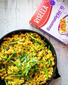 Helppo riisipilahvi   Chocochili Koti, Paella, A Food, Veggies, Healthy Eating, Ethnic Recipes, Eating Healthy, Vegetable Recipes, Healthy Nutrition