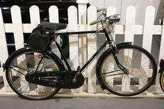 Desde el siglo 20 hasta después de la Segunda Guerra Mundial, la bicicleta inglesa constituyó las bicicleta para adultos más vendidas en el Reino Unido y en muchas partes del Imperio Británico