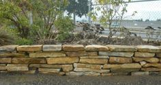 How To | Dry-stacked Flagstone Wall