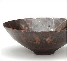 """Kintsugi means """"golden joinery"""" and is the art of fixing broken ceramics with lacquer resin made to look like solid gold. Chances are, a vessel fixed by kintsugi will look more gorgeous, and more precious, than before it was fractured. Japanese Bowls, Japanese Ceramics, Japanese Pottery, Japanese Art, Kintsugi, Tea Bowls, Earthenware, Stoneware, Wabi Sabi"""