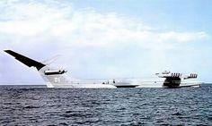 """Ekranoplan (avion à """"effet de sol"""") soviétique sur la Mer Noire : 95 mètres de long et 540 tonnes"""