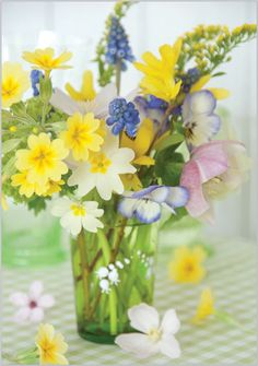 Bouquet of Spring Flowers Arrangements Ikebana, Floral Arrangements, Spring Bouquet, Spring Flowers, Bonsai Plante, Narcisse, Beautiful Flower Arrangements, Flowers Nature, Floral Bouquets