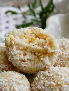 Sweets Recipes, Raw Food Recipes, Romanian Desserts, Raw Desserts, Vegan Kitchen, Dessert Bars, Dessert Ideas, Healthy Sweets, Yummy Cookies