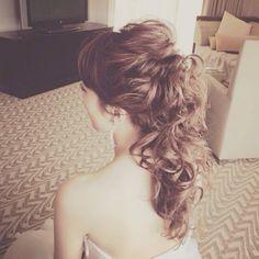 王道ヘアは絶対に可愛い♡花嫁にもゲストにもぴったりの「ポニーテールヘア」12選*にて紹介している画像 Hairdo Wedding, Wedding Hair Down, Wedding Hair And Makeup, Bridal Hair, Hair Makeup, Dress Hairstyles, Party Hairstyles, Bride Hairstyles, Hair Arrange