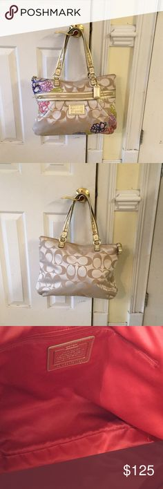 Coach Poppy Daisy Signature Tote Nice large bag good condition Coach Bags Totes