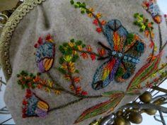 Brodons facile - Pochette et papillons