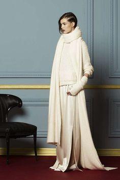 Hellessy Fall 2015 Ready-to-Wear Fashion Show Knit Fashion, Love Fashion, Trendy Fashion, High Fashion, Fashion Show, Autumn Fashion, Fashion Looks, Fashion Design, Womens Fashion