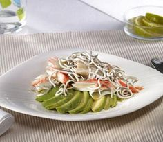 Ensalada de Aguacate con Surimi y Anguriñas Cabbage, Easy Meals, Chicken, Meat, Vegetables, Recipes, Food, Avocado Salad, Stir Fry