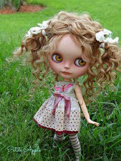 RESERVED Blythe custom doll Milly Petite par PetiteAppleShop