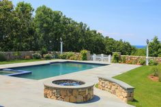 Nice Pool & Fire Pit
