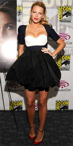 Blake Lively greeted fans at WonderCon in a full-skirted Carven design and red ankle-strap heels.