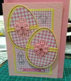 Need a gift ideas for cooks? ✩ Check out this list of creative present ideas for people who are into cooking Diy Easter Cards, Easter Crafts, Easter Decor, Cricut Cards, Stampin Up Cards, Holiday Cards, Christmas Cards, Pretty Cards, Kirigami