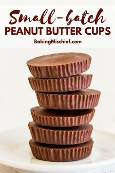 The Easiest Homemade Peanut Butter Cups (Small-batch) These Small-batch Homemade Peanut Butter Cups are super quick and easy to make and need just three ingredients. Homemade Reeses Cups, Homemade Peanut Butter Cups, Chocolate Peanut Butter Cups, Homemade Candies, Chocolate Desserts, Chocolate Caramels, Chocolate Cheesecake, Homemade Muffins, Candy Recipes