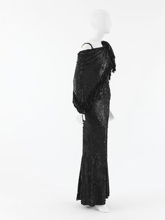 """Evening ensemble Design House: House of Chanel  Designer: Gabrielle """"Coco"""" Chanel  Date: 1935 Culture: French Medium: silk, rayon, plastic Accession Number: 1977.407.11a–d"""
