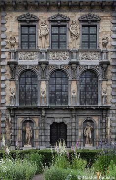 Rubens House, Antwerp, Belgium..I'd love a house like this!
