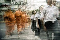 Blurry and Surrealistic Photography of People – Fubiz Media