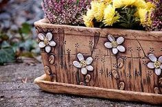 Výsledek obrázku pro hypertufa truhlík Slab Pottery, Pottery Vase, Ceramic Pottery, Clay Wall Art, Clay Art, Flower Pot Crafts, Flower Pots, Ikebana, Garden Deco
