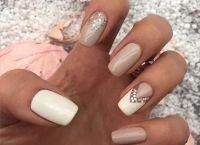 FOTO! 20 de idei de manichiură nude pentru unghiile tale