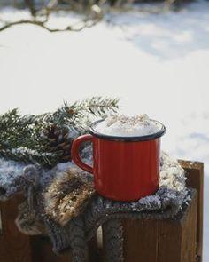 Helló Hétvége! ☄️ Helló hó! ❄️☃️ . #weekend #winter #snow #wintervibes #still_life_mood #still_life_gallery #stilllifephotos #relax #coffee #coffeetime #coffeeandseasons #hétvége #mik #mik_hungary #iközösség #magyarinsta #magyarig #vscohungary #ig_hungary #instahun #instadaily #picoftheday #instagood #instaphoto #instapic #instaphotography #photooftheday #desszertszoba Insta Photo, French Press, Coffee Maker, Kitchen Appliances, Mugs, Tableware, Instagram, Coffee Maker Machine, Diy Kitchen Appliances